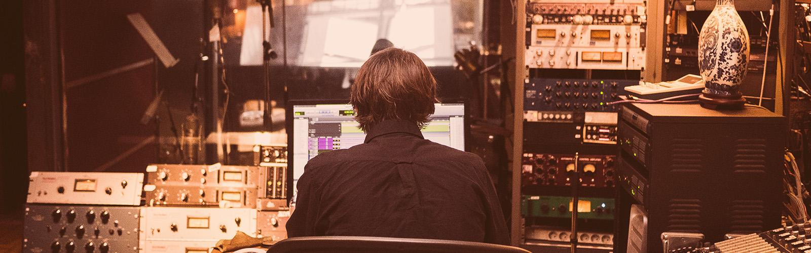 Essential Tips for Home Recording vs. Studio Recording
