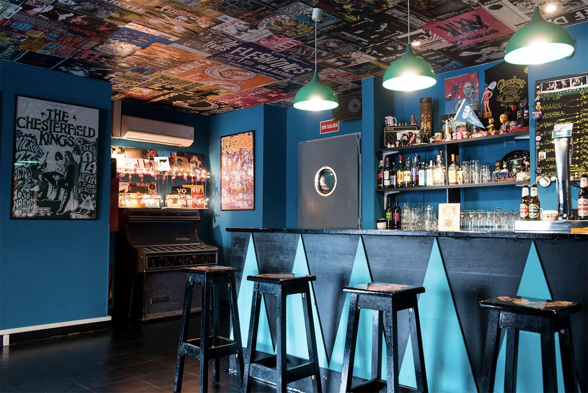 Le bar de Pandora's Vox.