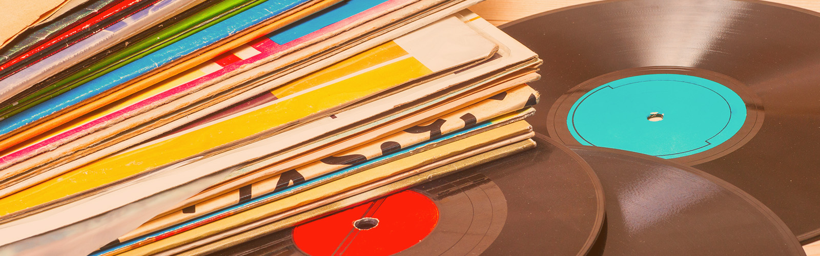 Três estratégias de lançamento comprovadas para músicos e selos